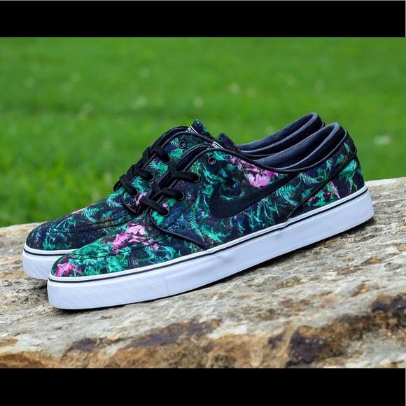 huge discount 53059 e4988 Floral Print Shoes- By Stefan Janoski. M5c58d720e944ba5fd263cddb